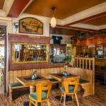 Le bar au Café Du Pont Vianden.